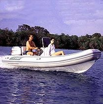 Outboard inflatable boat / semi-rigid / center console / 15-person max.