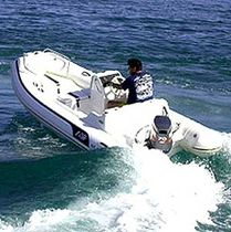 Outboard inflatable boat / semi-rigid / side console / 6-person max.