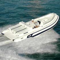 Inboard inflatable boat / semi-rigid / side console / 10-person max.