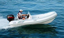 Outboard inflatable boat / semi-rigid / side console / 8-person max.