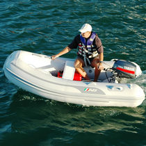 Outboard inflatable boat / semi-rigid / 4-person max.