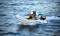 Outboard inflatable boat / semi-rigid / 9-person max.