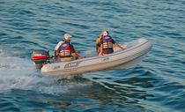 Outboard inflatable boat / semi-rigid / 8-person max.
