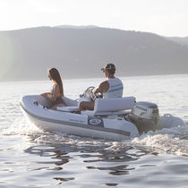 RIB inflatable boat / outboard / side console