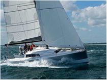 Cruising sailboat / open transom