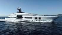 Cruising mega-yacht / wheelhouse / with swimming pool