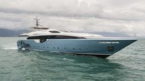 Cruising super-yacht / flybridge / planing hull