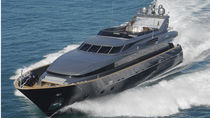 Cruising super-yacht / flybridge / displacement