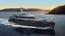 Cruising mega-yacht / wheelhouse / steel