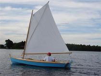 Traditional sailing dinghy / catboat