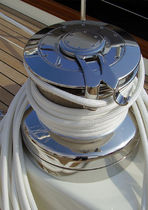 Sailboat winch / self-tailing / 2-speed