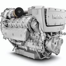 Diesel ship engine / turbocharged