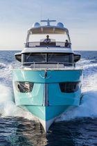 Classic motor yacht / trawler / flybridge / IPS POD