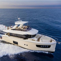 Cruising motor yacht / trawler / flybridge / IPS POD