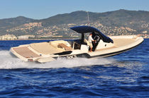 Inboard inflatable boat / semi-rigid / center console / yacht tender