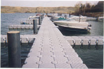 Mooring dock / for marinas / plastic / piling-supported