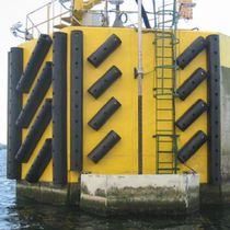 Harbor fender / pier / D-shape / extruded rubber