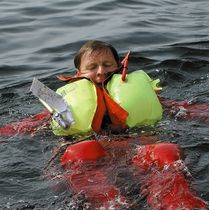 Inflatable life jacket / commercial