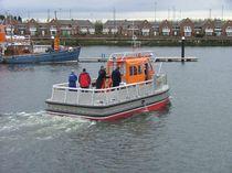 Catamaran offshore service boat / aluminum / hydro-jet