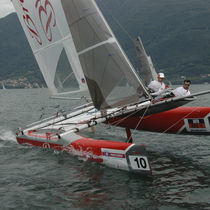 Mainsail / for sport multihulls / tri-radial cut