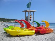 4-place pedal boat / with slide