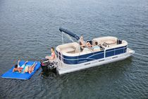 Outboard pontoon boat / 10-person max.