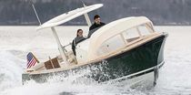 Inboard runabout / center console / carbon / yacht tender
