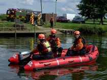 Outboard rescue boat / inflatable boat