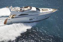 Cruising luxury motor-yacht / flybridge / 3-cabin