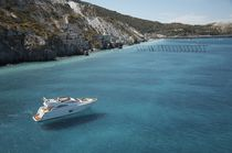 Cruising luxury motor-yacht / flybridge / 3-cabin