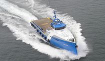 Crew transfer offshore support vessel / high-speed