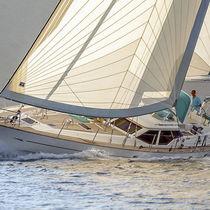 Genoa / for cruising sailboats / radial cut