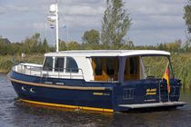 Inboard express cruiser / canal / classic