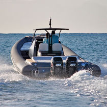 Inboard inflatable boat / outboard / twin-engine / RIB