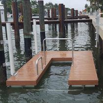 Kayak launching ramp / floating for canoes
