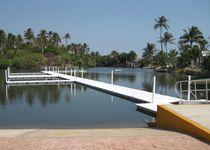 Mobile dock system