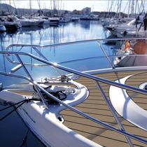 Non-slip boat decking / teak-effect