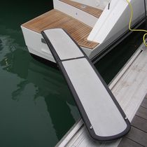 Boat gangways / folding / manual / custom