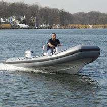 Outboard inflatable boat / semi-rigid / center console