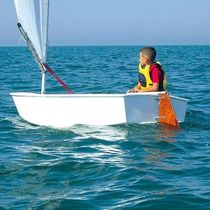 Children's sailing dinghy / single-handed / instructional / cat boat