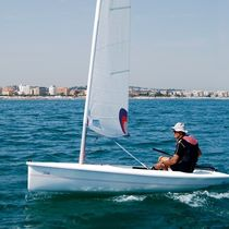 Single-handed sailing dinghy / recreational / catboat