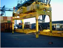 Container spreader / telescopic