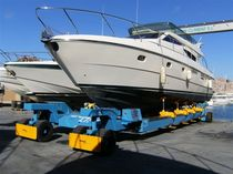 Handling trailer / shipyard / remotely controlled / all-wheel steering