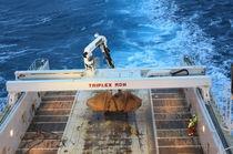 Ship crane / deck / floor track