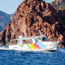 Inboard passenger boat / diesel-electric hybrid / aluminum