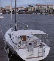 Sailboat Bimini top / cockpit