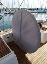 Protective cover / for sailboats / helm wheel