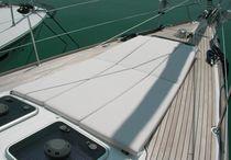 Sundeck cushion / for sailboats