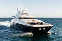Catamaran motor yacht / cruising / wheelhouse / aluminum