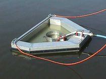 Weir oil skimmer